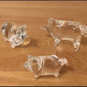 🐷Blown Glass Pigs set of 3 Home Decor/Paperweight